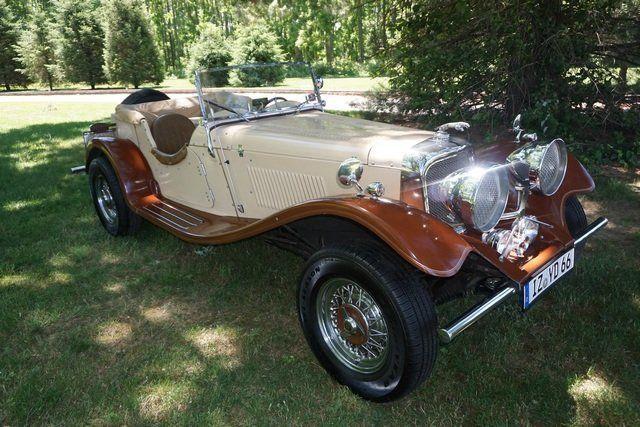 stylish 1936 Jaguar Ss100 Convertible Replica