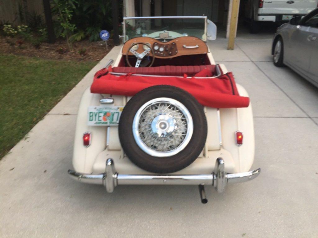 classic 1952 T Series MG Replica