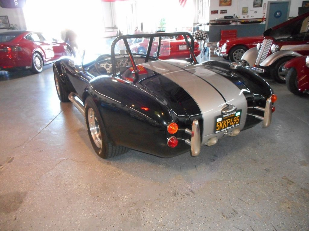 cool 1965 AC COBRA Replica