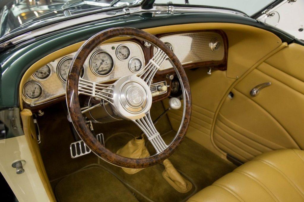 art deco classic 1936 Auburn Speedster Replica