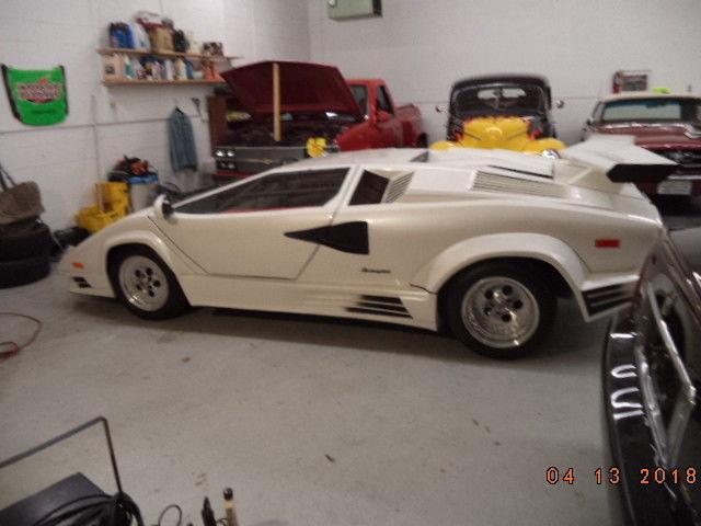 almost finished 1985 Lamborghini countach replica
