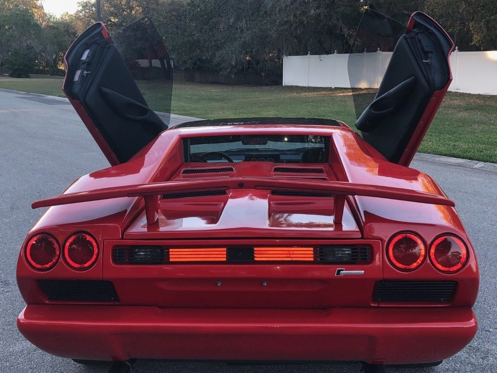 inspired by 1987 Ferrari/Lamborghini Replica
