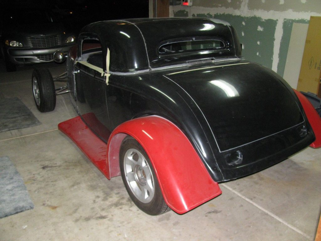 Mustang powered 1933 Ford Roadster Replica