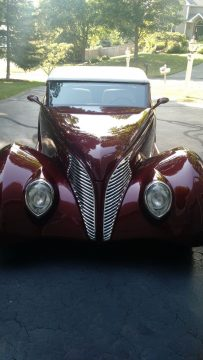 clean 1939 Ford Roadster Replica for sale