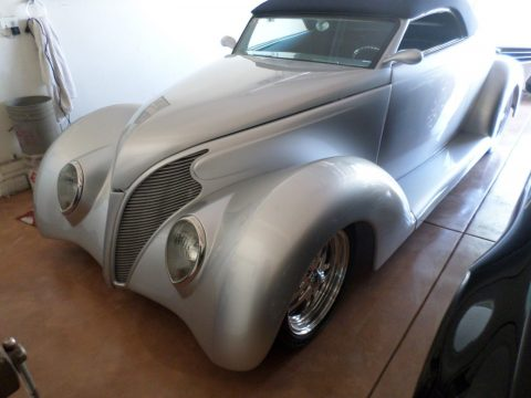 beautiful 1939 Ford Roadster Replica for sale