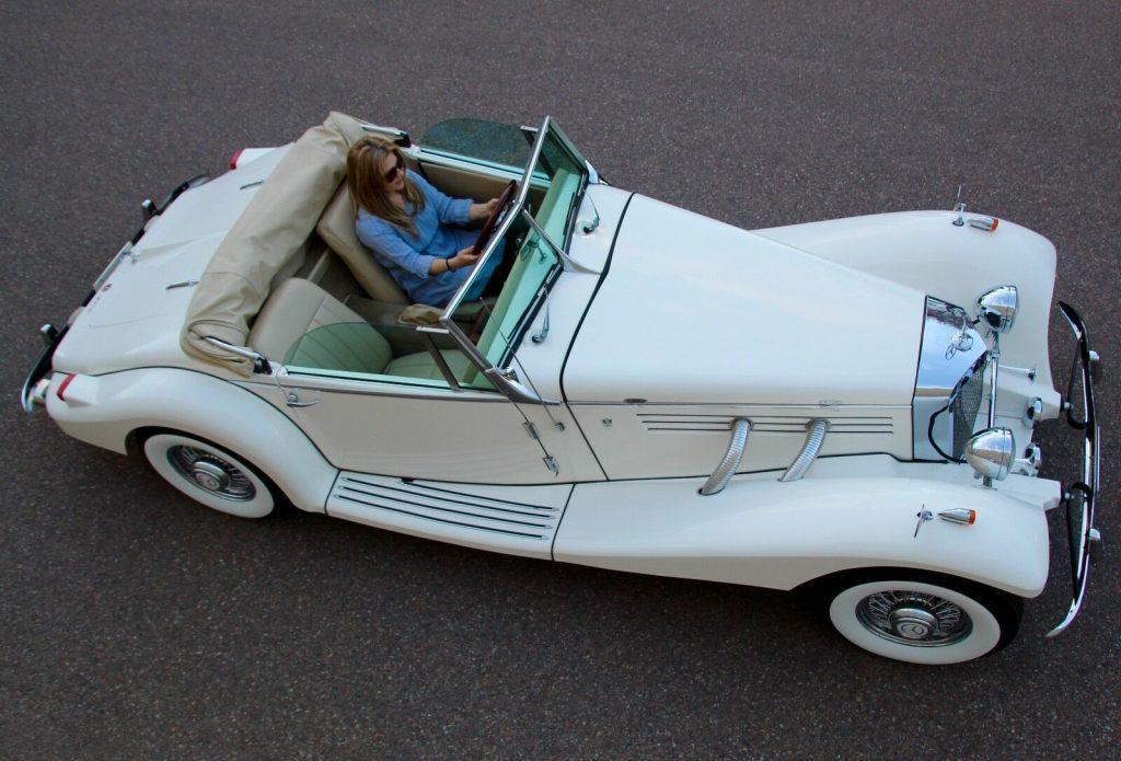 classic oldtimer 1936 Mercedes Benz 540K Cabriolet Replica