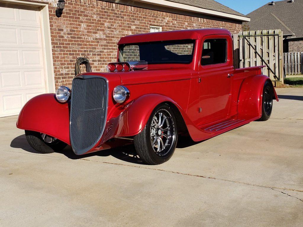 versatile hot rod 1935 Ford Pickup Replica