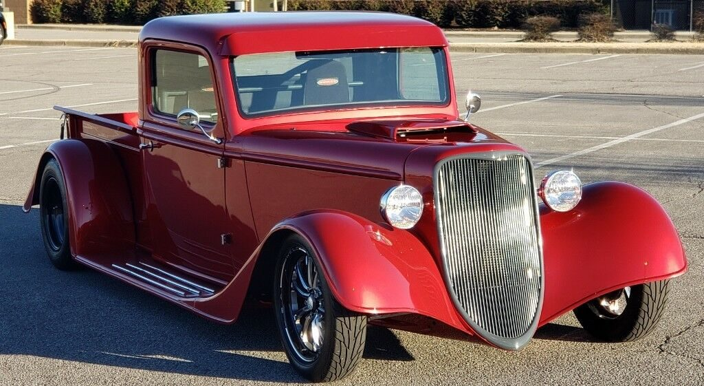 very nice 1935 Ford hot rod Truck replica