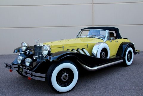 low miles 1932 Auburn Esque Style Cabriolet Replica for sale