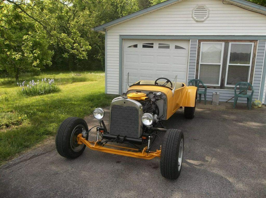 hot rod 1927 Ford Model T fiberglass replica