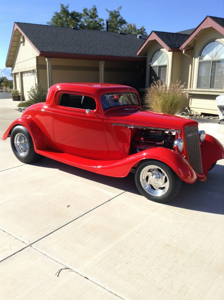 hot rod 1934 Ford Coupe Replica