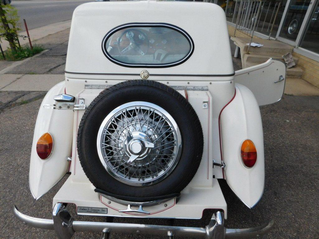 beautiful 1952 MG TD Roadster Replica
