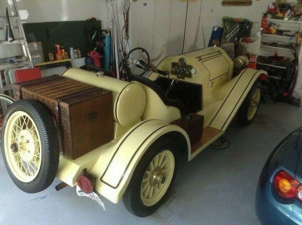 older build 1914 Stutz Bearcat Replica