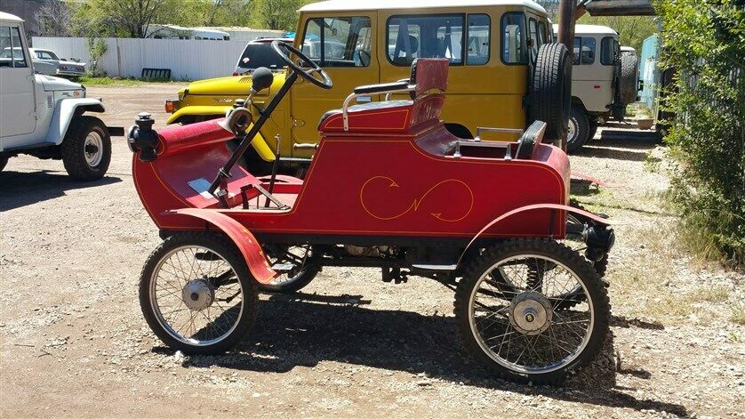 vintage 1901 Oldsmobile Horseless Carriage Curved Dash Replica