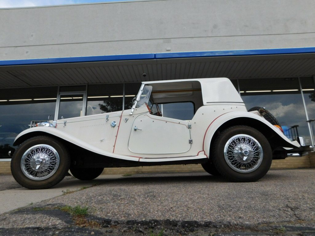 beautiful 1952 MG TD Roadster Replica
