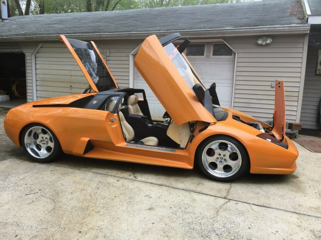 everything works 1988 Lamborghini Replica