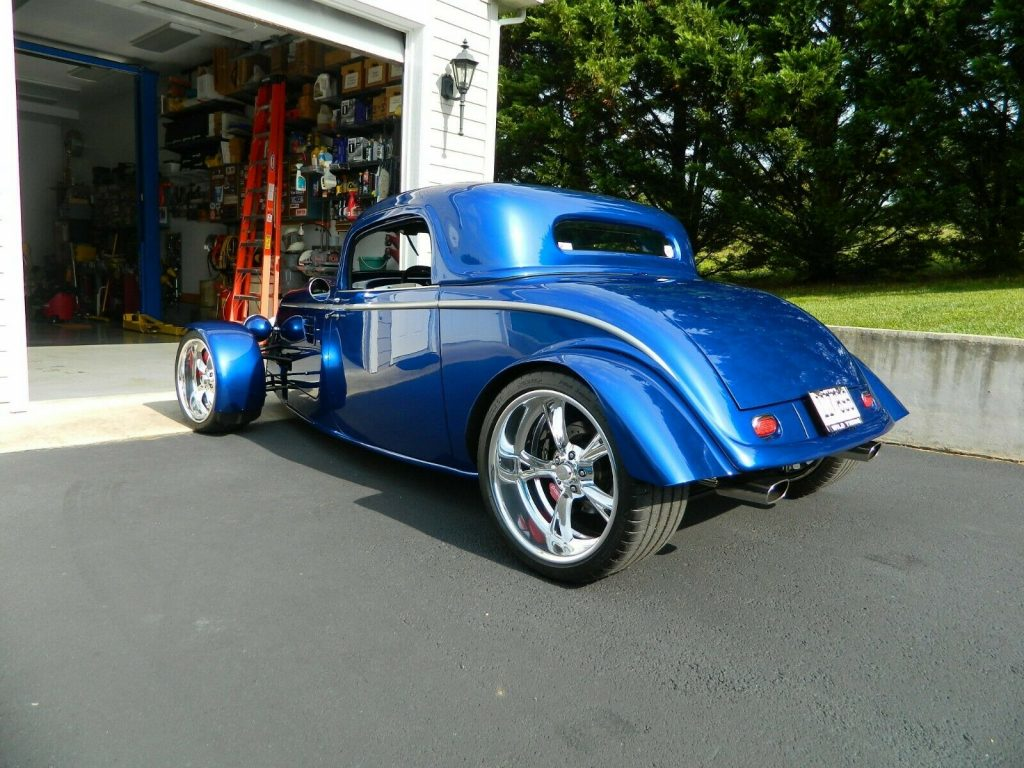 well built 1933 Ford hot rod replica