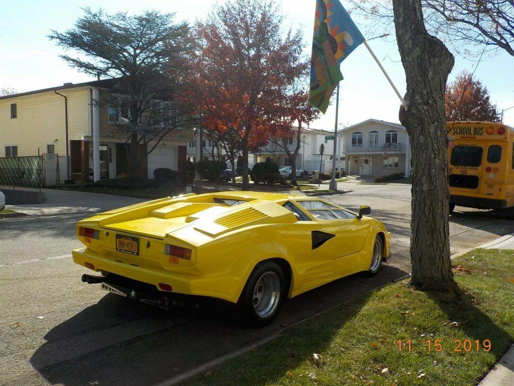 stretched body 1988 Lamborghini Countach Replica