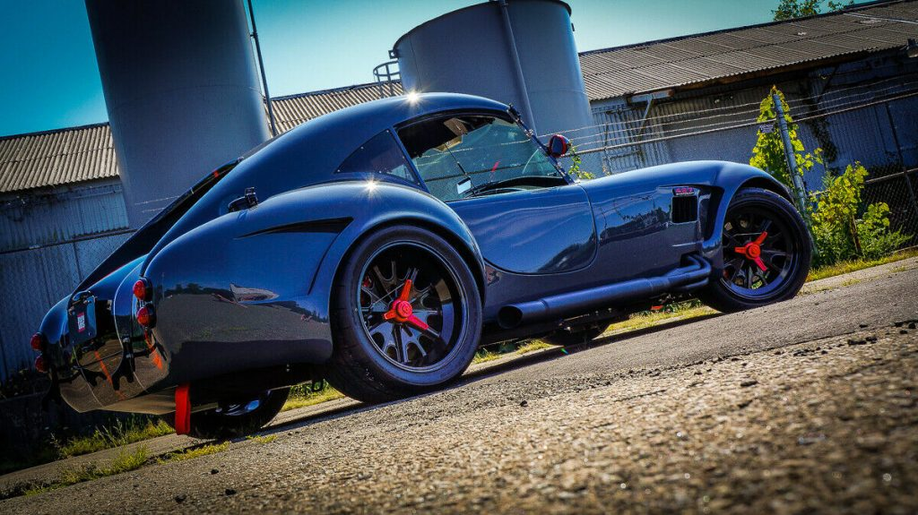 stunning 1965 Shelby Cobra Blackout Edition GT replica